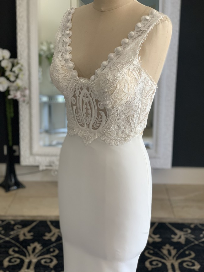 Zhanel Bridal Couture New sample gown