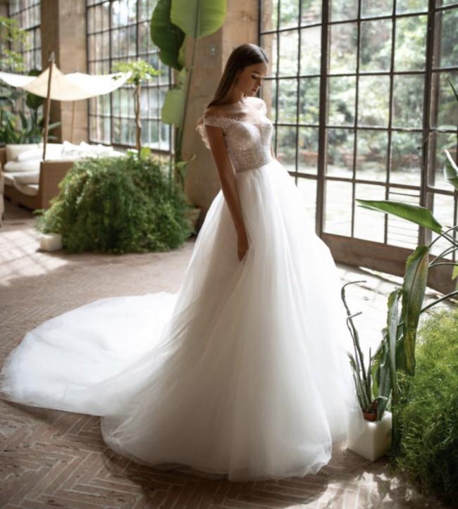 Milla Nova Meldi gown Princess Berta style