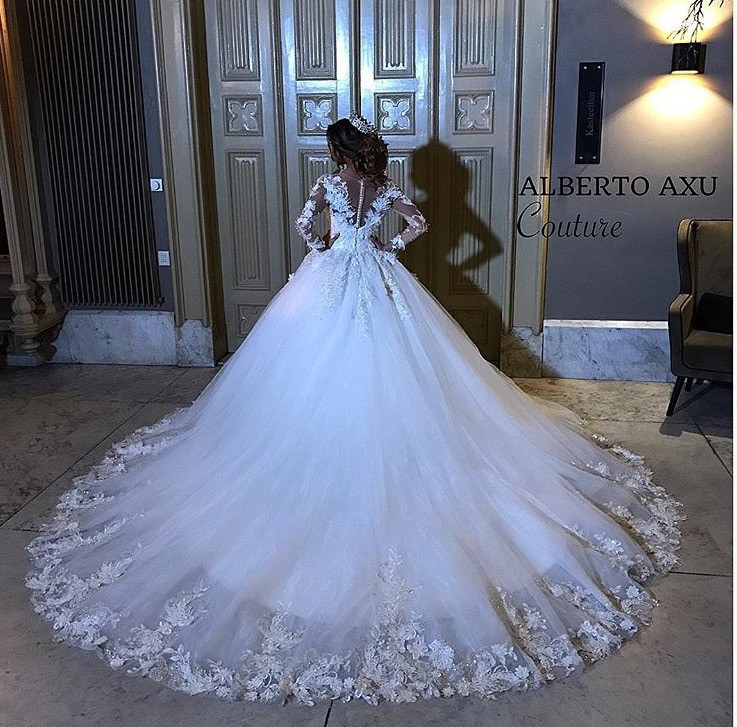 Alberto AXU Custom Made Used Wedding Dress On Sale 48% Off