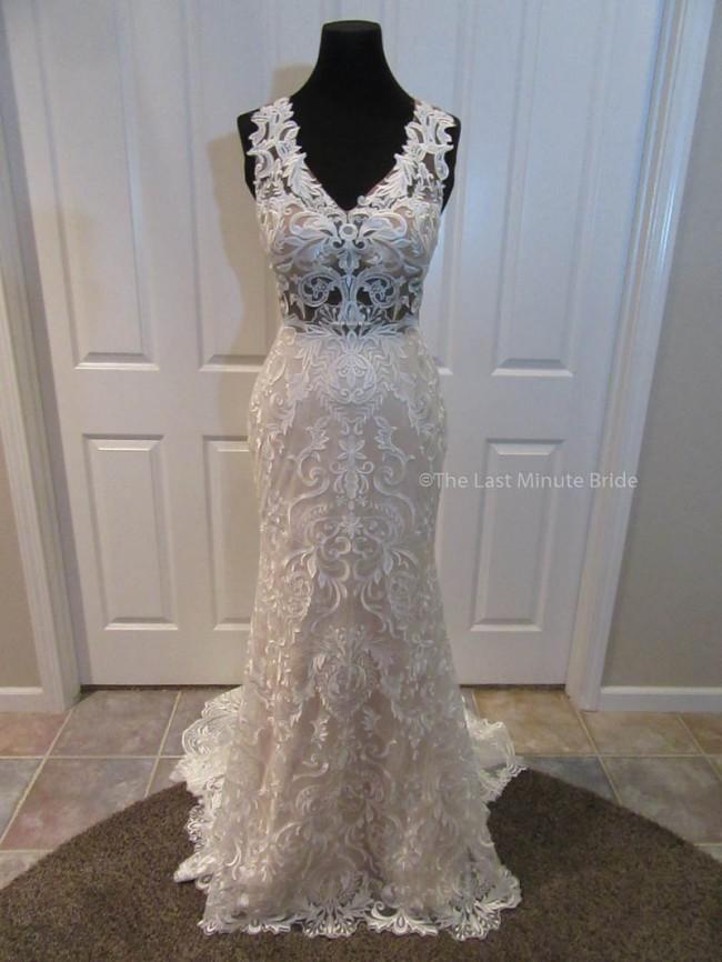The Last Minute Bride, Emilia