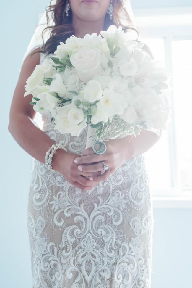 Allure Bridals, Allure 9501