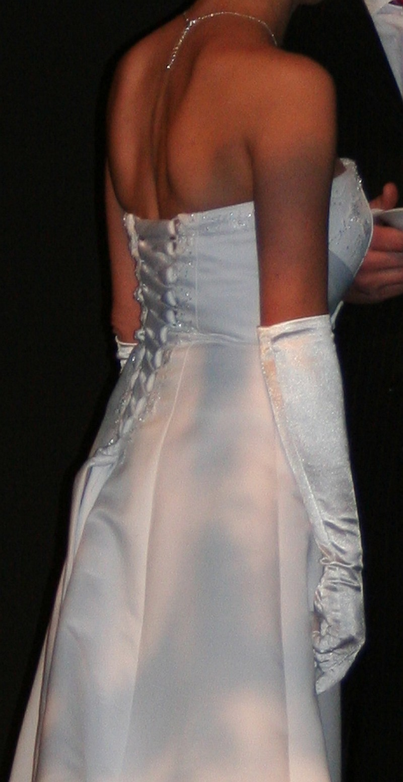 Ellen H Used Wedding Dress Save 20   Stillwhite