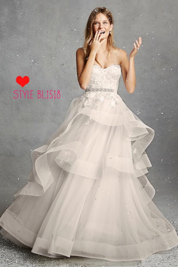 c73f8b65d73 Monique Lhuillier Bliss 1518 Second Hand Wedding Dress on Sale 56% Off -  Stillwhite United Kingdom