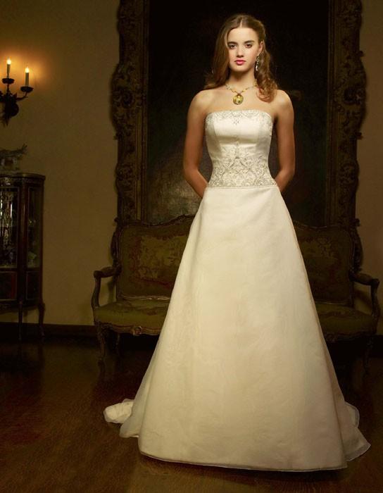 Casablanca Bridal 1828