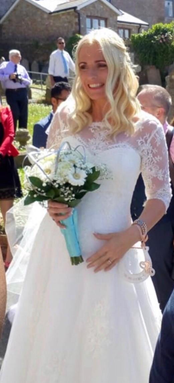 White Rose Bridal Amelia IV