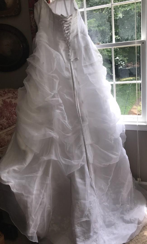 David's Bridal, 4XL9L9479
