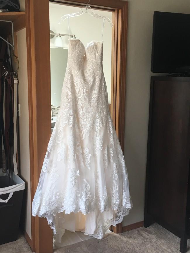 Allure Bridals, Allure 9302