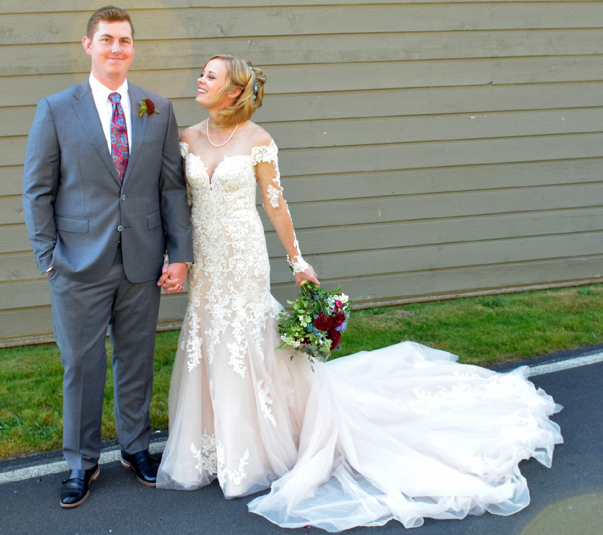 Essense Of Australia Style D2425 Used Wedding Dress On