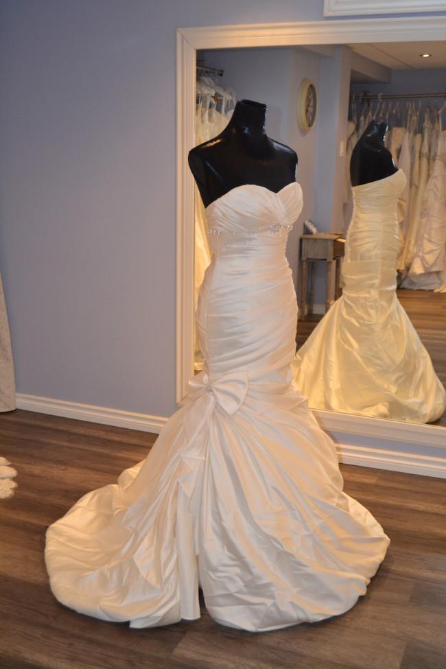 David's Bridal V3204