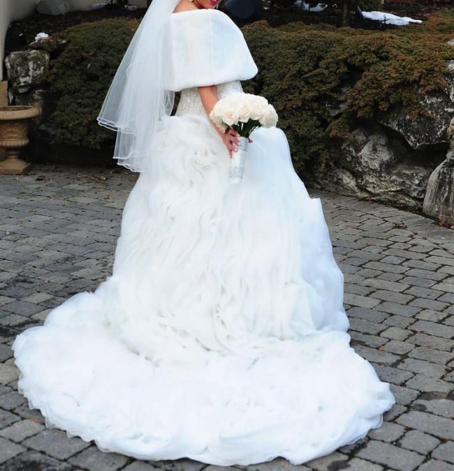 Ysa Makino, Ball Gown
