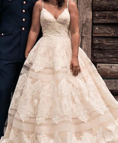 Allure Bridals 9400