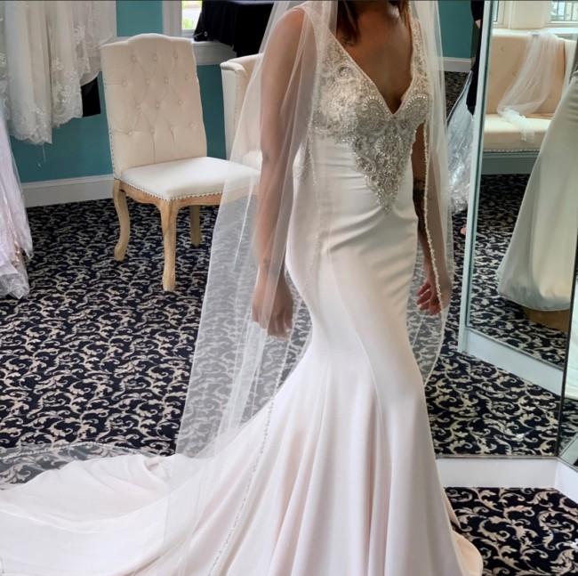 Casablanca Bridal, Style 2318 LANA
