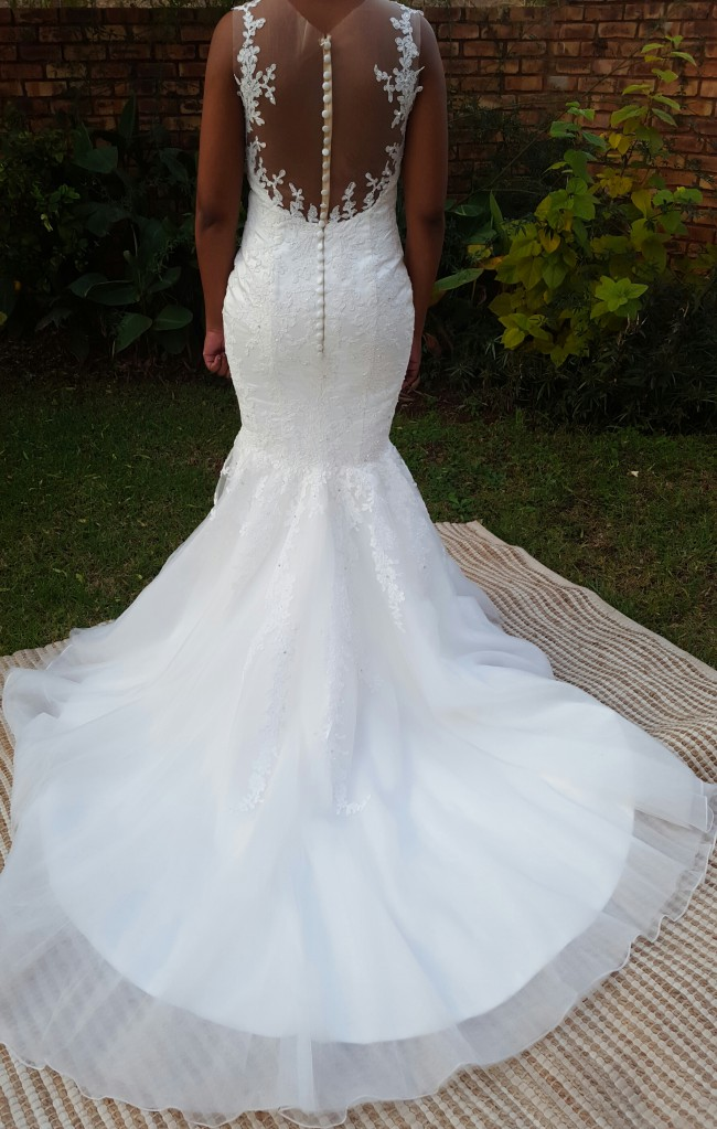 Pronovias, Phillipa