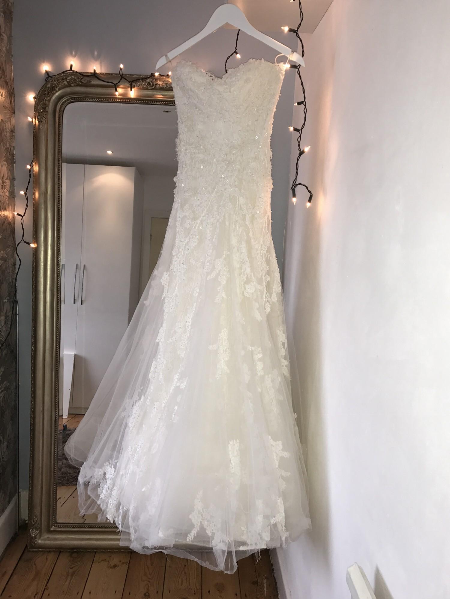 Elie Saab Astarte Used Wedding Dress On Sale 70 Off