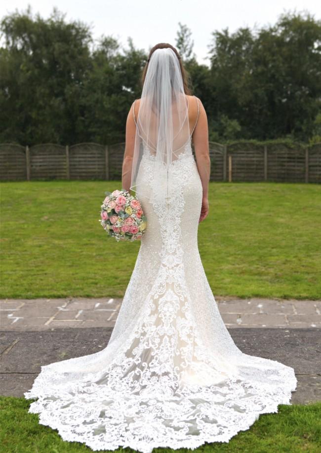ab04ee2697c Enzoani Midori Used Wedding Dress on Sale 37% Off - Stillwhite Canada