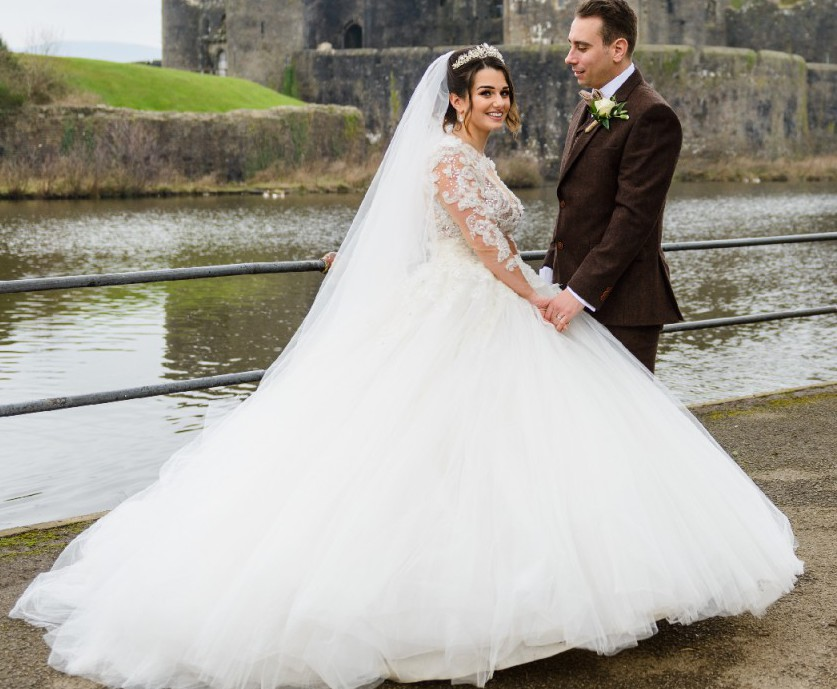 Pronovias Vicenta Second Hand Wedding Dress On Sale: Geraldina Sposa Once '2015' Second Hand Wedding Dress On