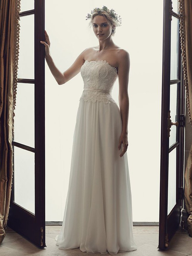 Casablanca Bridal Daisy