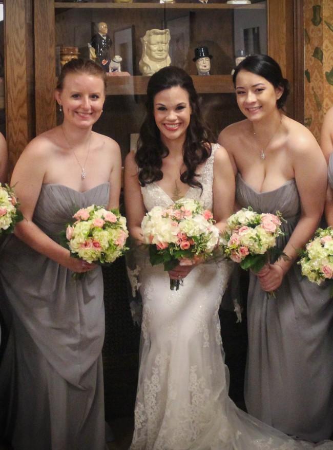 a5f4e5af73a Stella York 6142 Preowned Wedding Dress on Sale 60% Off - Stillwhite