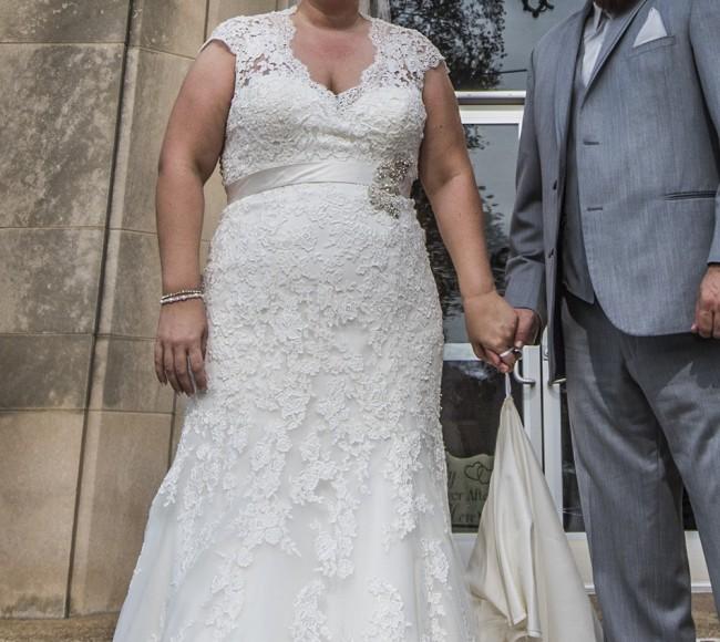 Allure Bridals, W330