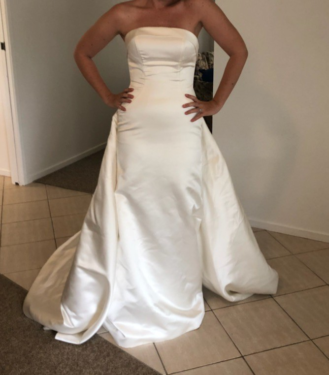 Pronovias Bachar Gown Used Wedding Dress On Sale 87% Off