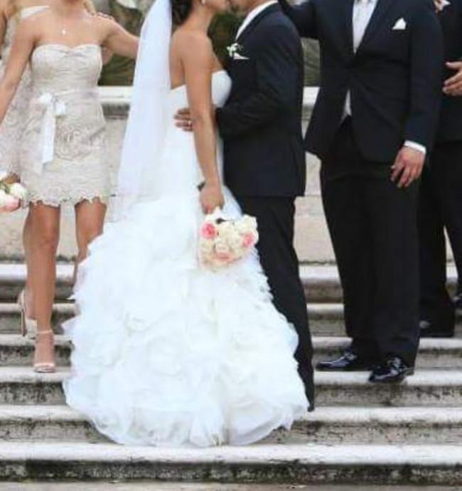 bf851c0e122c Vera Wang White by Vera Wang Organza and Satin Wedding Dress Used ...
