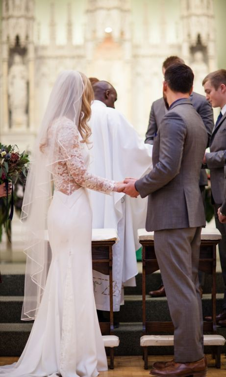 508b3b283b Lela Rose The Lounge Preowned Wedding Dress on Sale 64% Off - Stillwhite