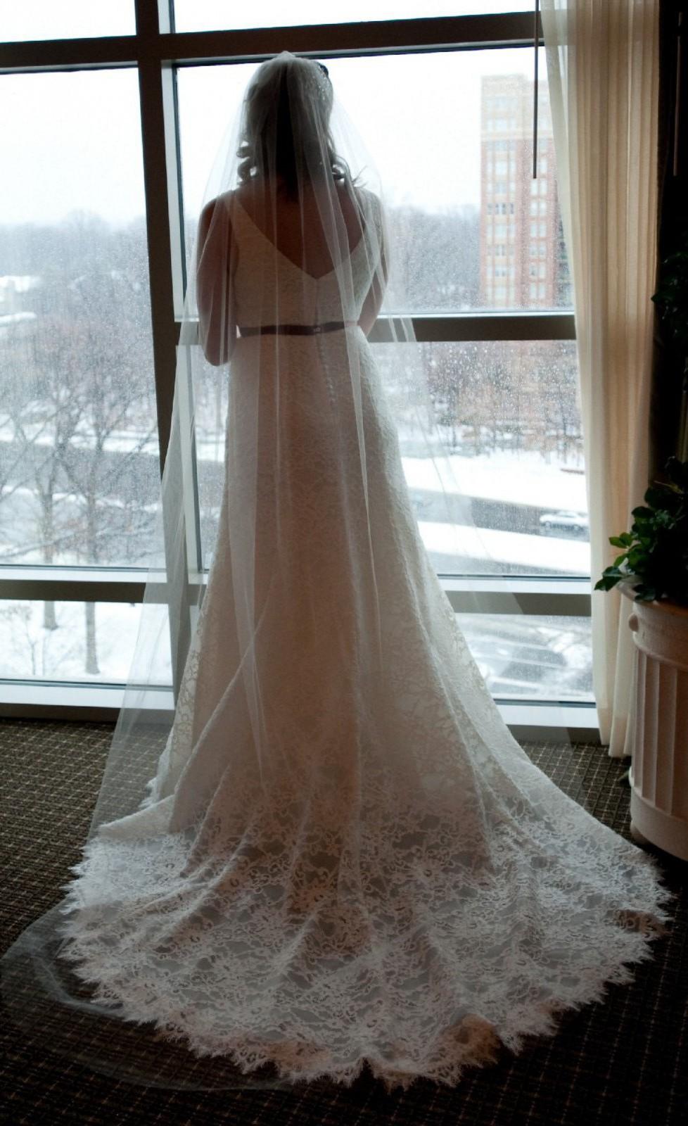 J Crew J Crew Ivory Sara Lace Gown 94389 Feminine Wedding Used Wedding Dress Save 65 Stillwhite