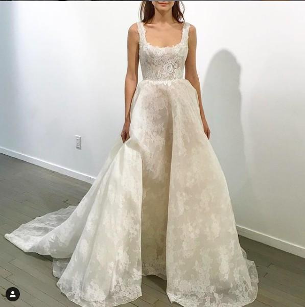 Monique Lhuillier Bella