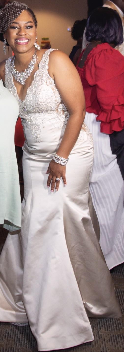 Allure Bridals 9402