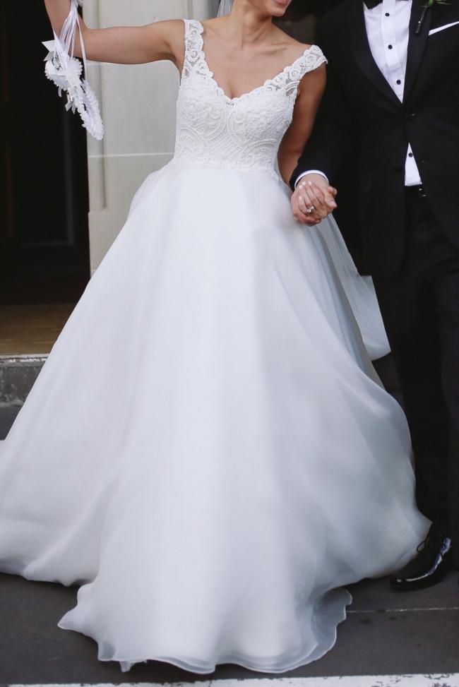 J'aton, Ball gown