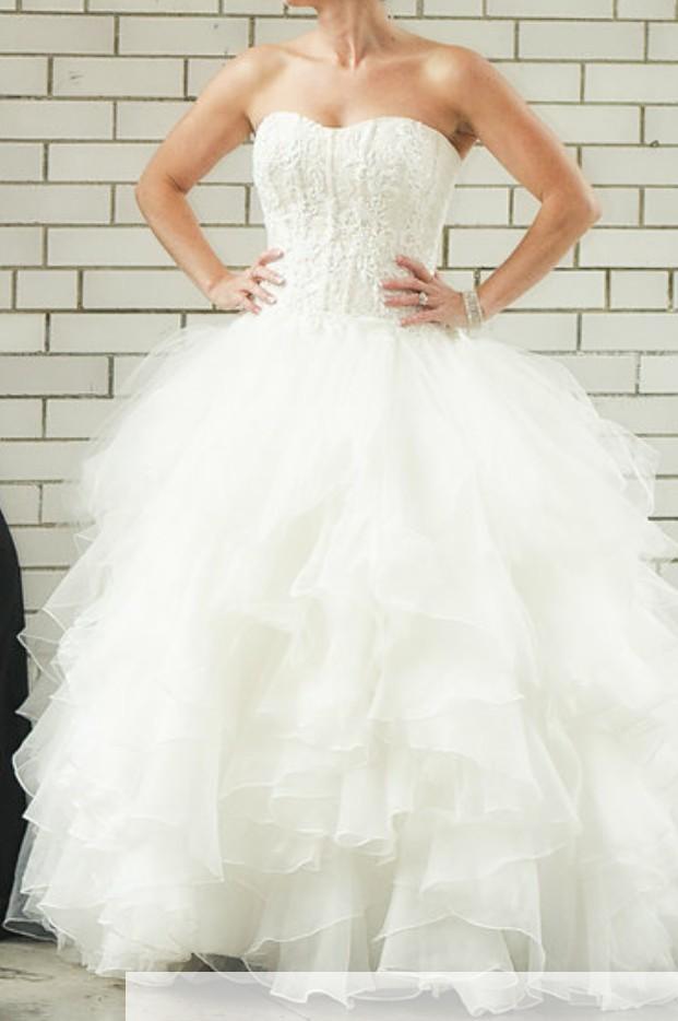 fad0ed3d59563 Oleg Cassini Cwg568 Preloved Wedding Dress on Sale 54% Off - Stillwhite  United Kingdom