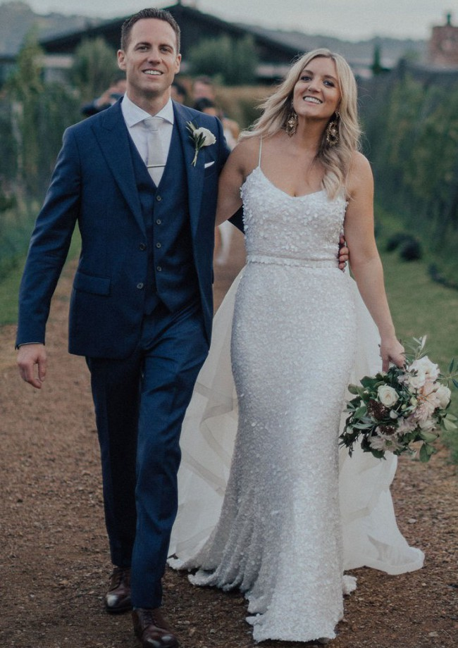 Karen Willis Holmes, Anya gown & veil