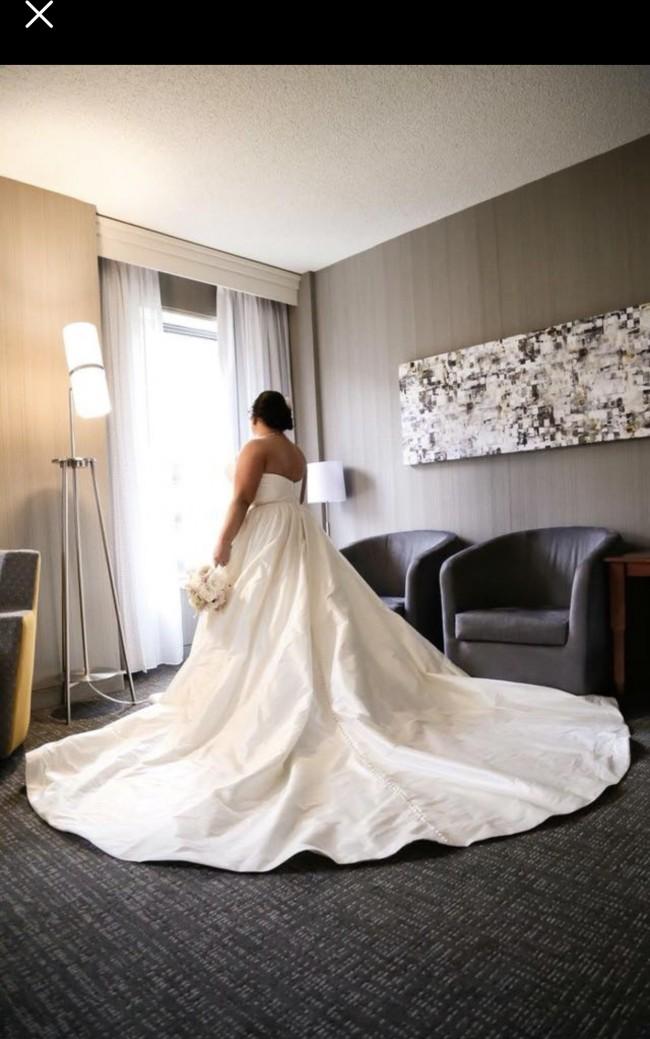 Justin Alexander Silk Dupion Sweetheart Bodice Ball Gown 8825