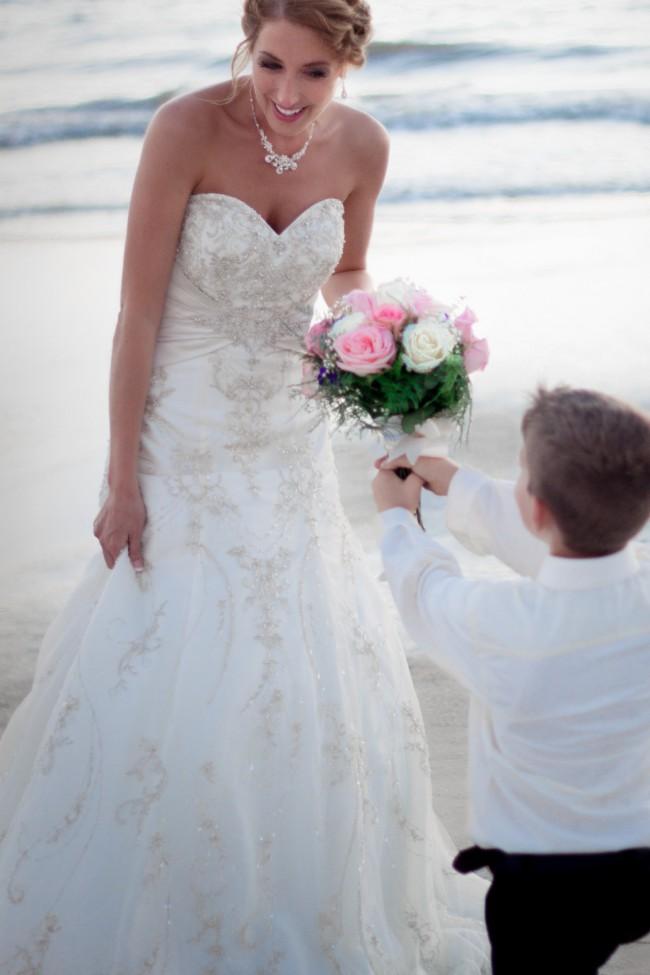 Allure Bridals, 8563