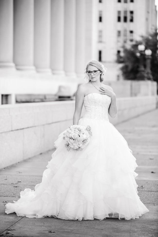 25f29befad55 Oleg Cassini CWG568 Second Hand Wedding Dress on Sale 69% Off ...