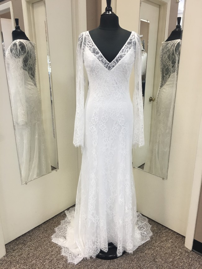 Allure Bridals, Sage F108