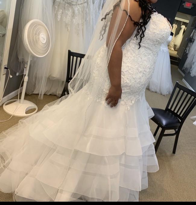 Allure Bridals W444