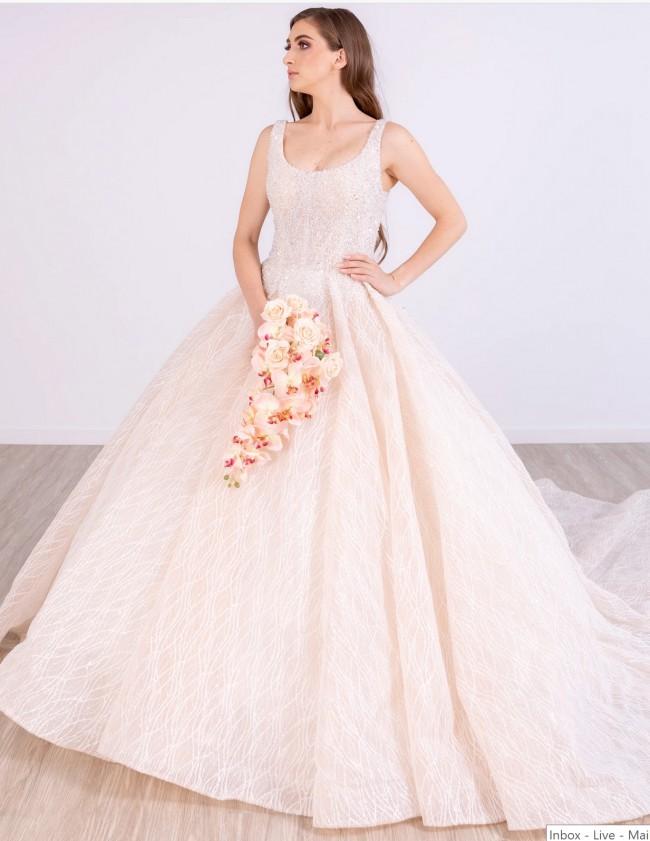 Tee & Ing Bridal Navi Gown