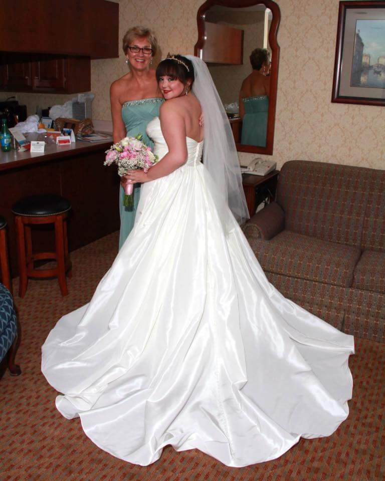 A-Line Preowned Wedding Dress On Sale 69% Off