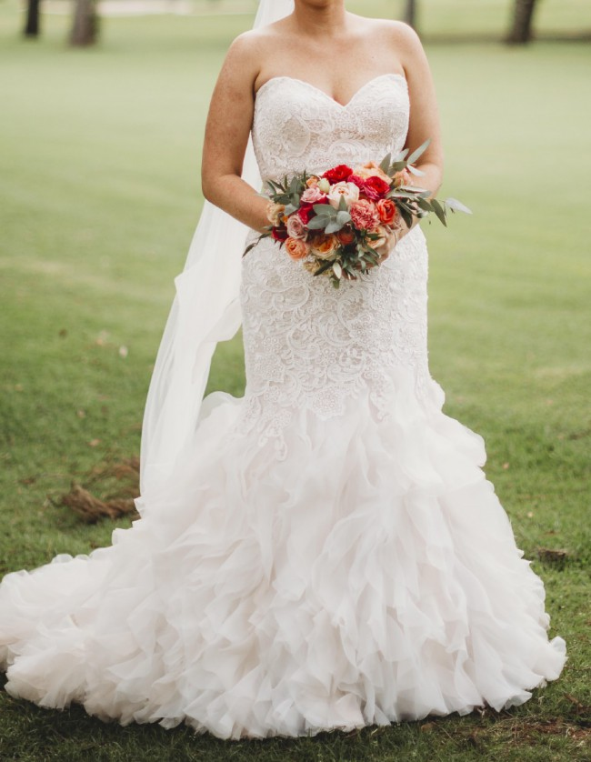 Allure Bridals 9254 will fit size 14 -18