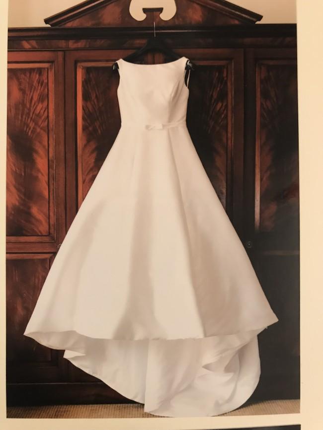 Phoenix Gowns, B687