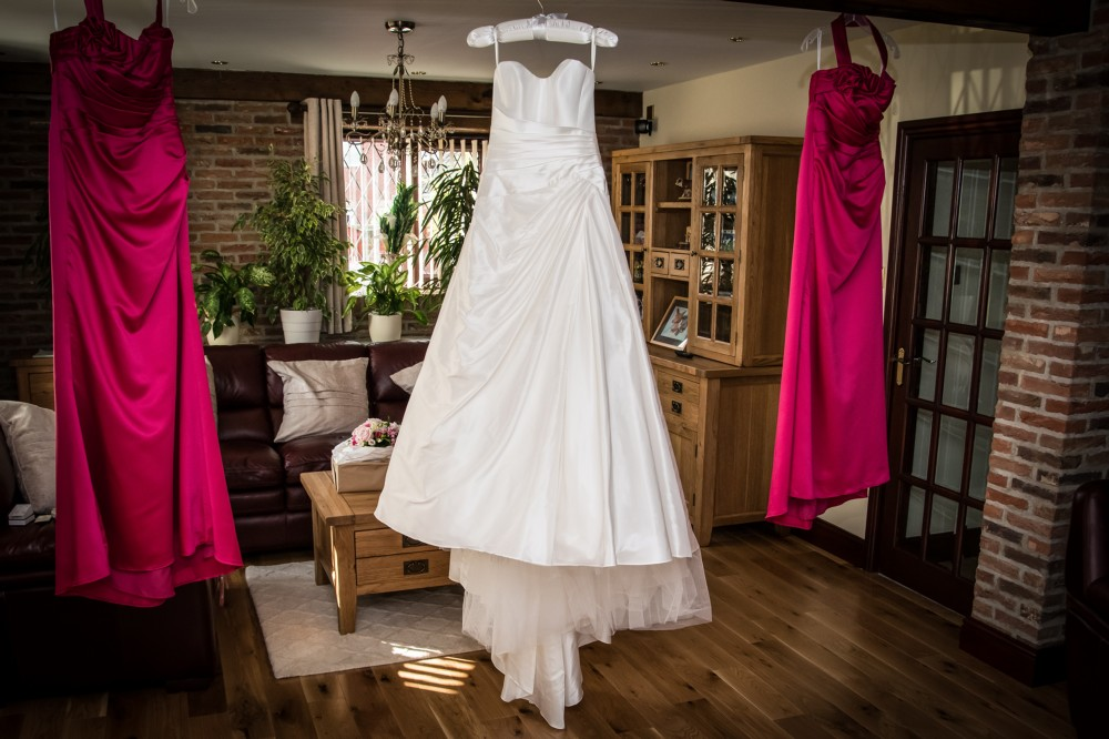 Pronovias Vicenta Second Hand Wedding Dress On Sale: Suzanne Neville Image Second Hand Wedding Dress On Sale 80