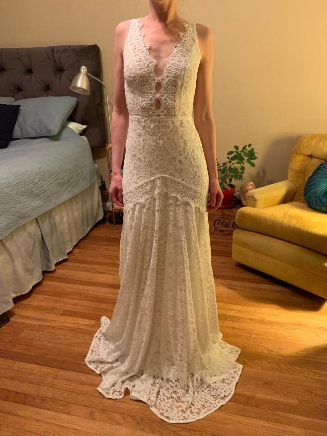 Rish Bridal, Nina