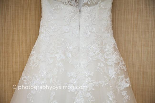 Simple Wedding Dresses Under 500: Pronovias Bia Second Hand Wedding Dress On Sale