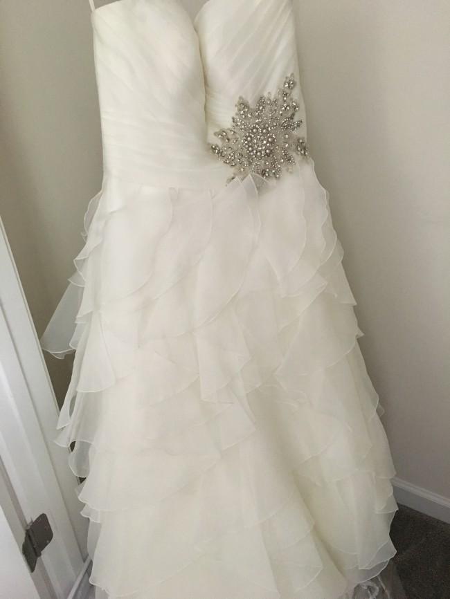 Allure Bridals, W314