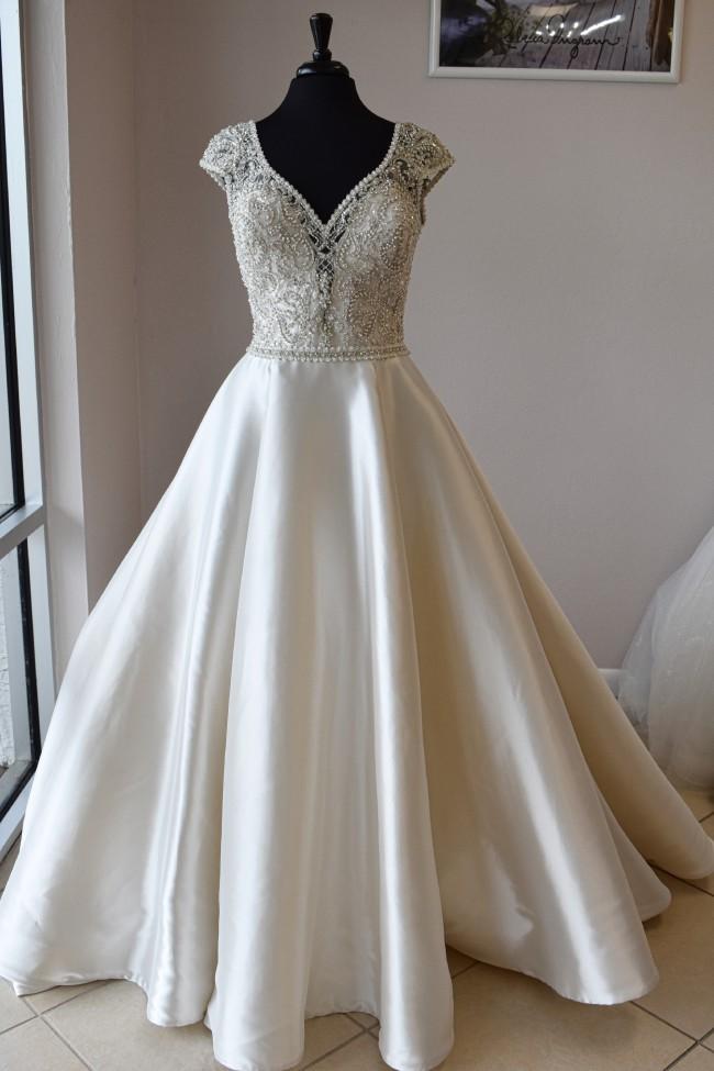Allure Bridals 9710