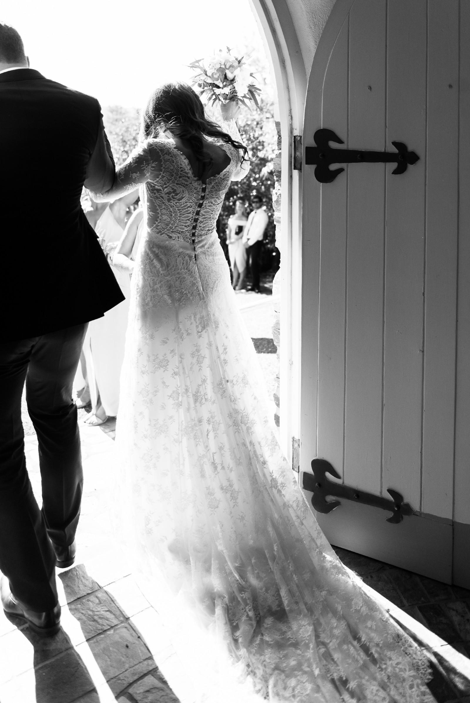 Carolina Herrera Claudette Used Wedding Dress Save 71%