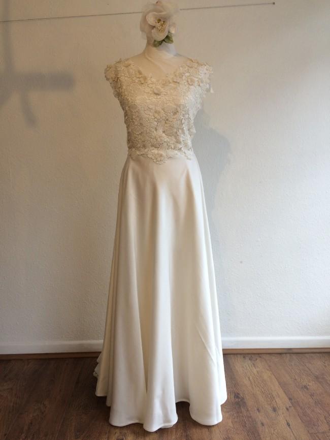 Custom Gown Lizzie bespoke gown