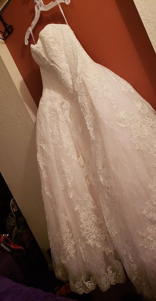 David's Bridal OLEG CASSINI