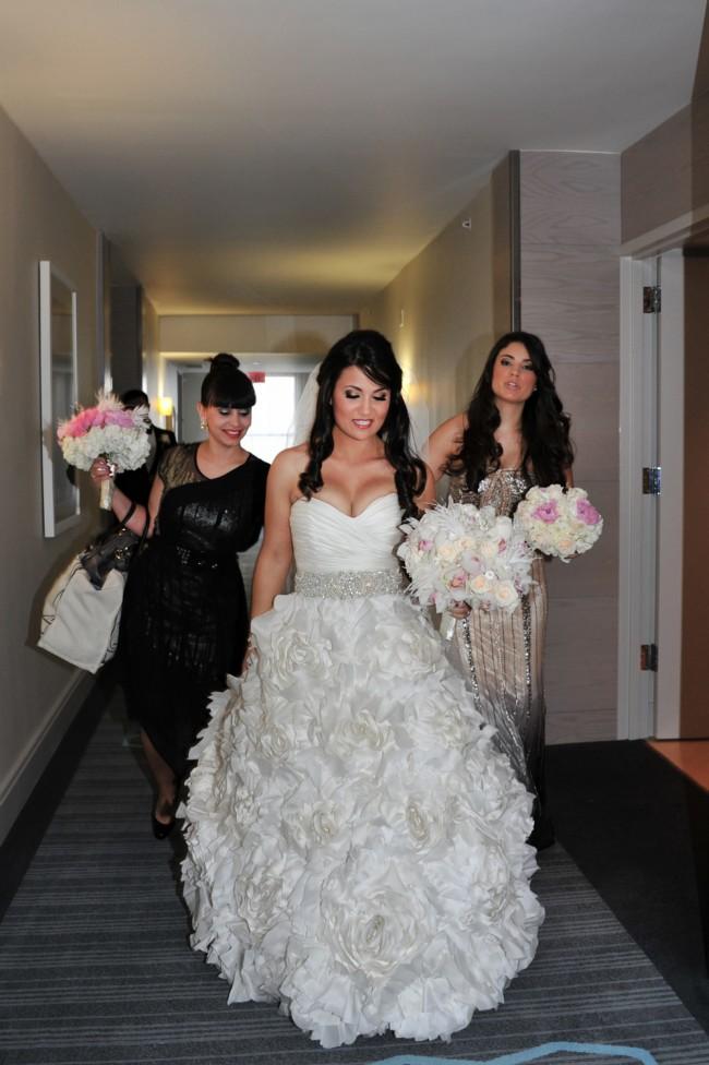 Monique Lhuillier Sunday Rose Second Hand Wedding Dress On Sale 70